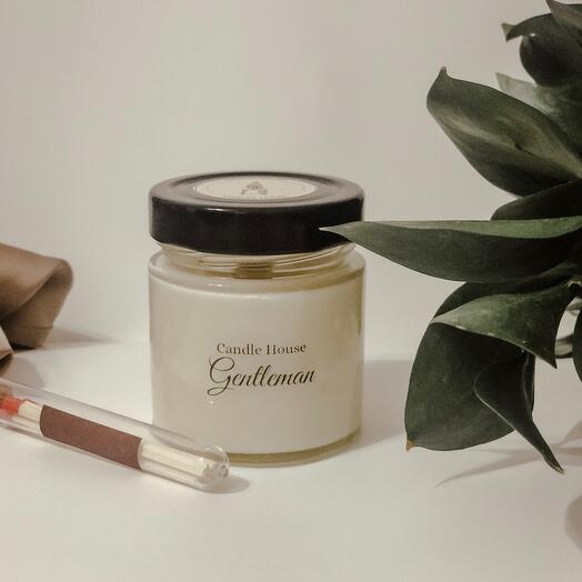 Ароматическая свеча «Джентельмен» с деревянным фитилём