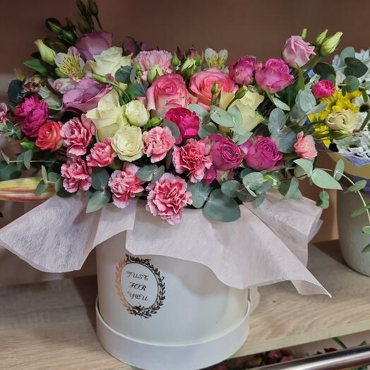 Огромная коробка с цветами 🤗