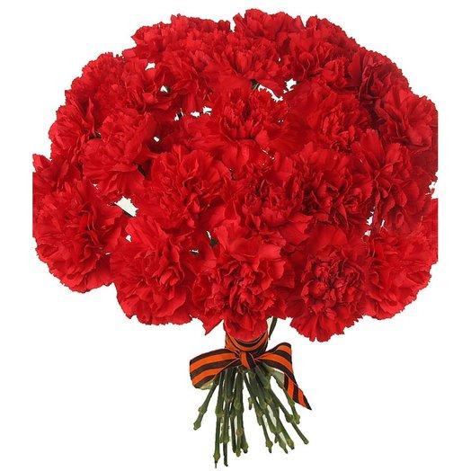 Букет из красных гвоздик: букеты цветов на заказ Flowwow