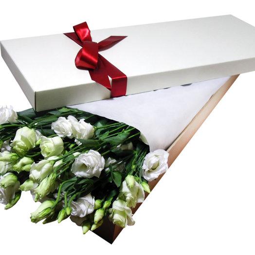 Лизиантусы в Белой Коробке: букеты цветов на заказ Flowwow