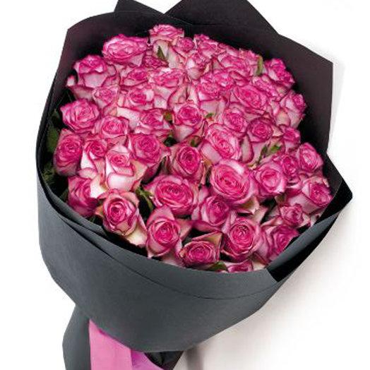 50 роз в стильной упаковке: букеты цветов на заказ Flowwow