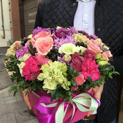 Коробка на юбилей: букеты цветов на заказ Flowwow