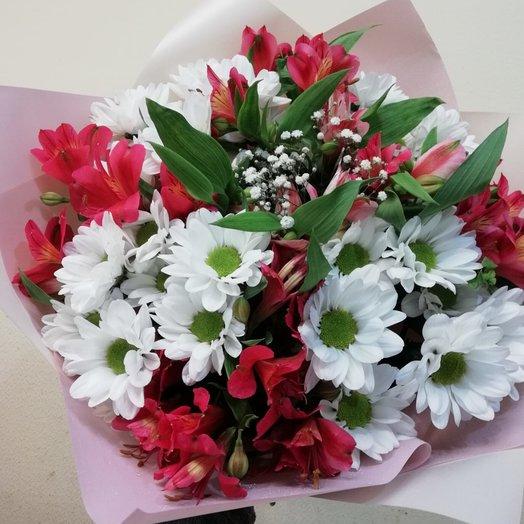 Букет с ромашкой и альстромерией: букеты цветов на заказ Flowwow