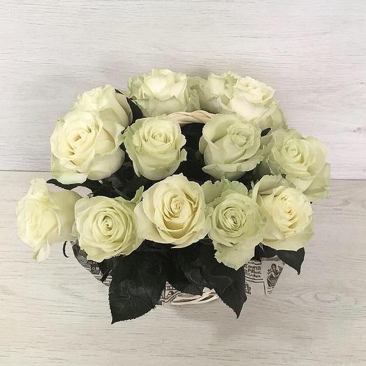 19 крупных роз в корзине : букеты цветов на заказ Flowwow