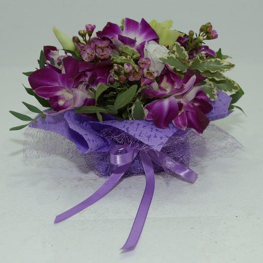 Комплимент из орхидей: букеты цветов на заказ Flowwow