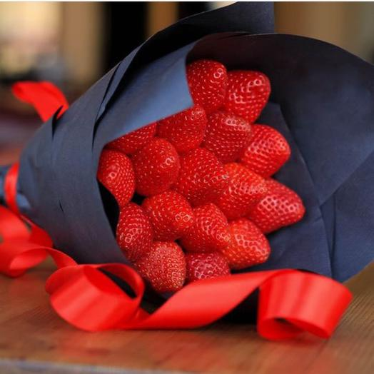 Mini Bouquet Of Strawberry Without The Chocolate 2150 Rub Delivery In 2 H 12 Min Flowwow Flower Delivery In Krasnodar