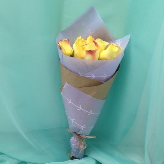 Желтые розы 9 шт с оформлением