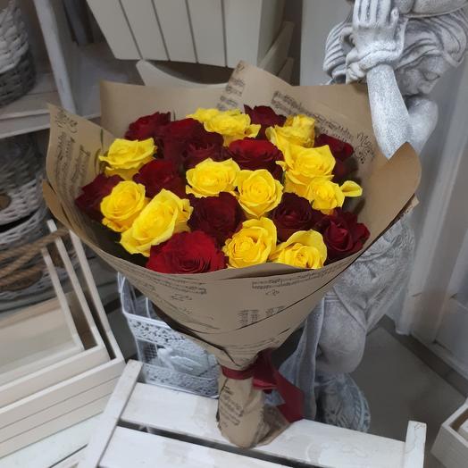 Акция из роз: букеты цветов на заказ Flowwow