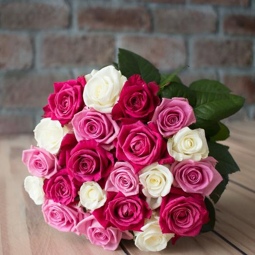 Букет из 21 разноцветной местной розы 50 см: букеты цветов на заказ Flowwow