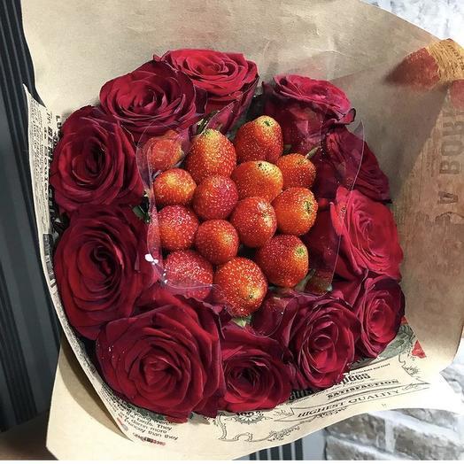Клубничный букет «Королевское чудо»: букеты цветов на заказ Flowwow