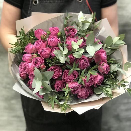 Букет роз Мисти Баблс с эвкалиптом: букеты цветов на заказ Flowwow