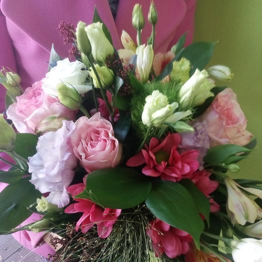 Цветы в крафт коробке: букеты цветов на заказ Flowwow
