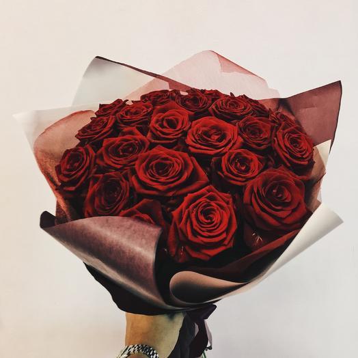 Букет 25 роз любимой