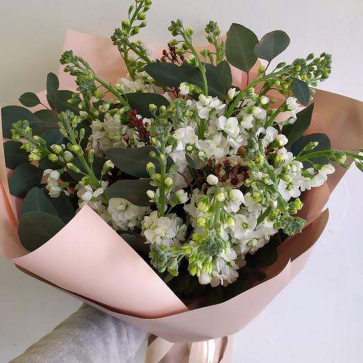 Букет с матиолой: букеты цветов на заказ Flowwow