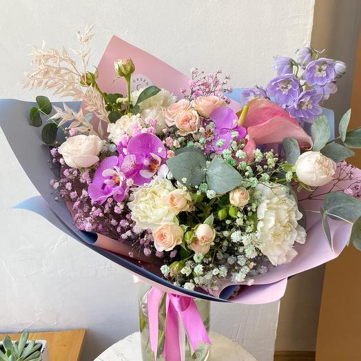 Букет с Орхидеями и Розой: букеты цветов на заказ Flowwow