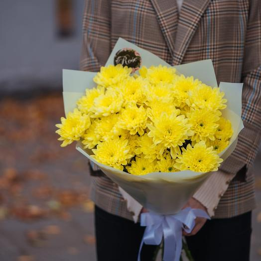 Букет из семи хризантем желтой Балтики