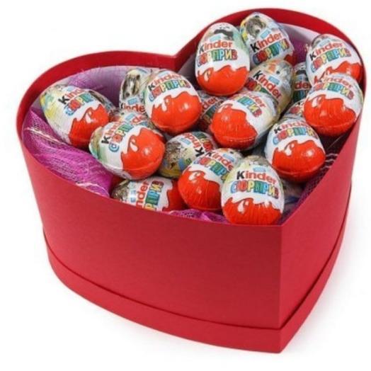 Коробка сердце с киндерами
