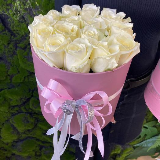 Цветы в коробке 15 розочек