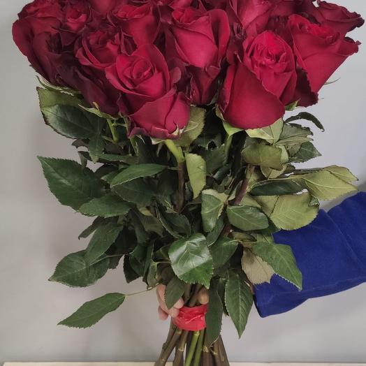 Букет из 25 бордовых роз 60 см