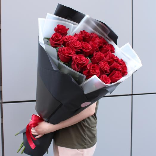 25 imported roses