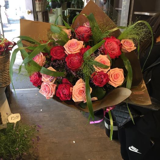 2 colour pink bouquet