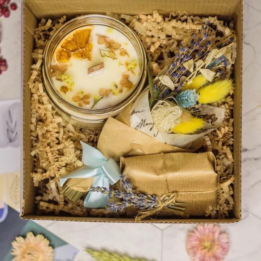 Подарочный набор 4 с большой свечей