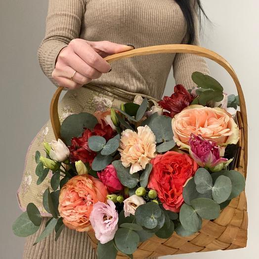 Корзина с цветами М