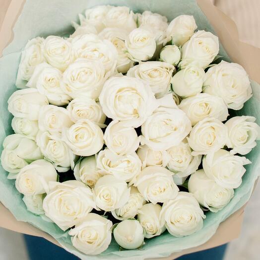 Букет из 15 белых кустовых роз (Эквадор) 40 см