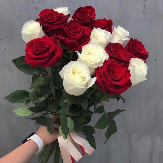 Букет из 15 розы микс