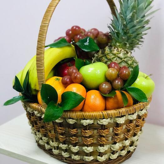 Карзина  с фруктами