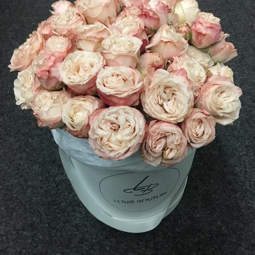 Розы Бомбастик в шлямной коробочке: букеты цветов на заказ Flowwow