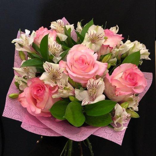 Нежный бело-розовый: букеты цветов на заказ Flowwow