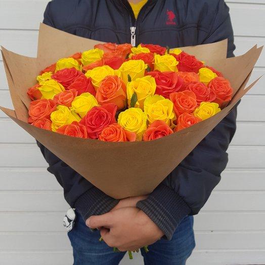 Букет из роз. 51 желто-рыжая роза (60 см): букеты цветов на заказ Flowwow