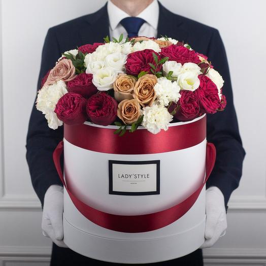 Букет Amour в шляпной коробке XL: букеты цветов на заказ Flowwow