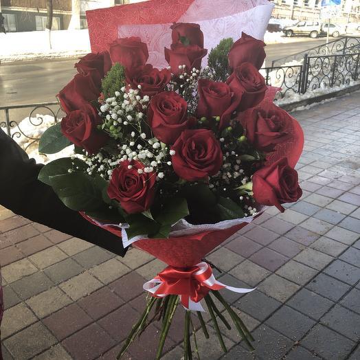 Красная красавица: букеты цветов на заказ Flowwow