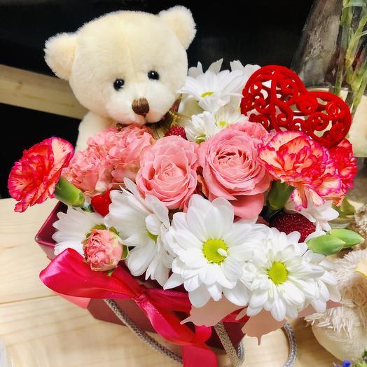 «Сюрприз Любимой»: букеты цветов на заказ Flowwow