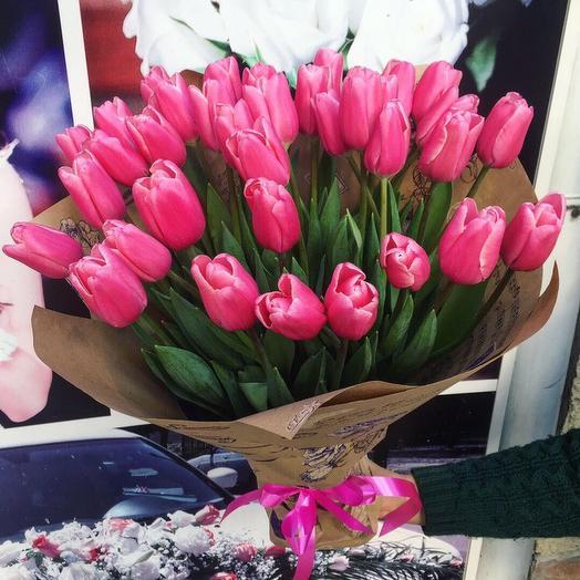 Тюльпаны 33 шт. В крафте: букеты цветов на заказ Flowwow