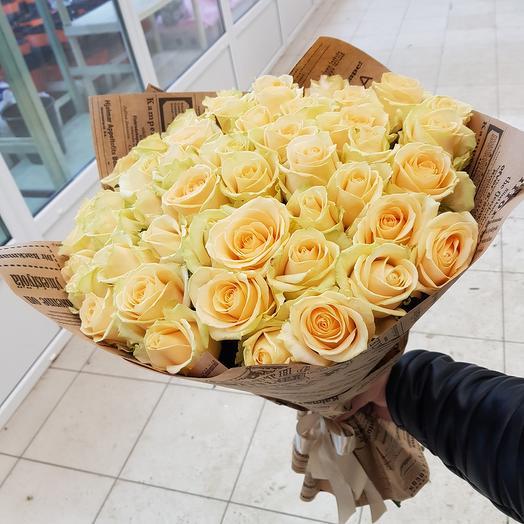 Букет из 51 кремовой розы: букеты цветов на заказ Flowwow