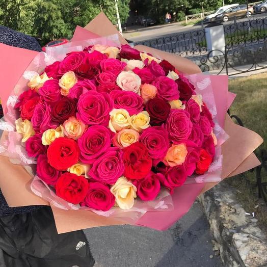 Шикарный букет из 51 розы микс: букеты цветов на заказ Flowwow