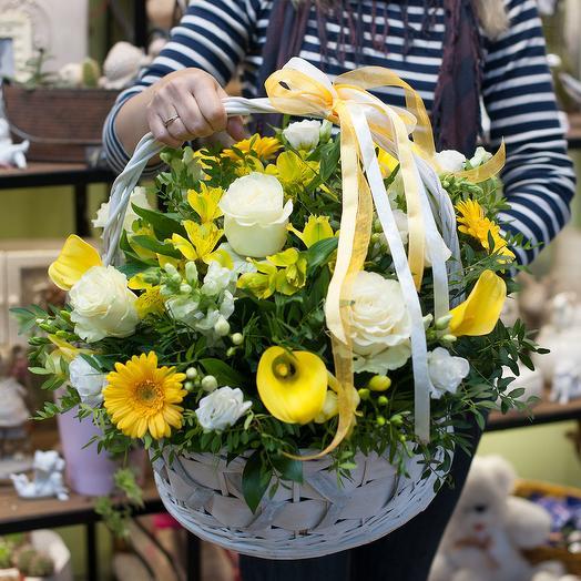 """Корзина с цветами """"Golden flowers"""""""