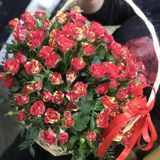 Праздничная корзина: букеты цветов на заказ Flowwow
