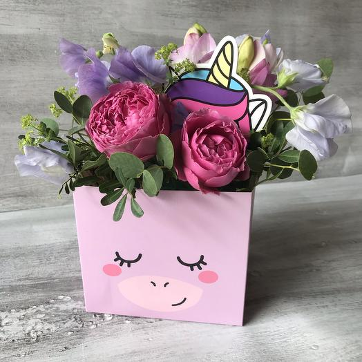 Единорог: букеты цветов на заказ Flowwow