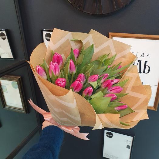 25 тюльпанов в крафте