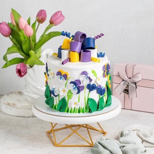 Торт с цветочным декором