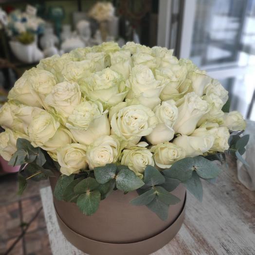 Розы в коробке крафт