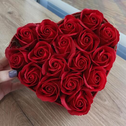 Мыльные розы в форме сердца