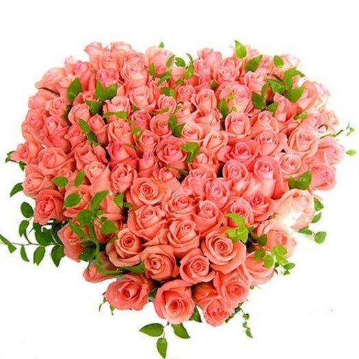 Сердце из 101 нежнорозовой розы: букеты цветов на заказ Flowwow