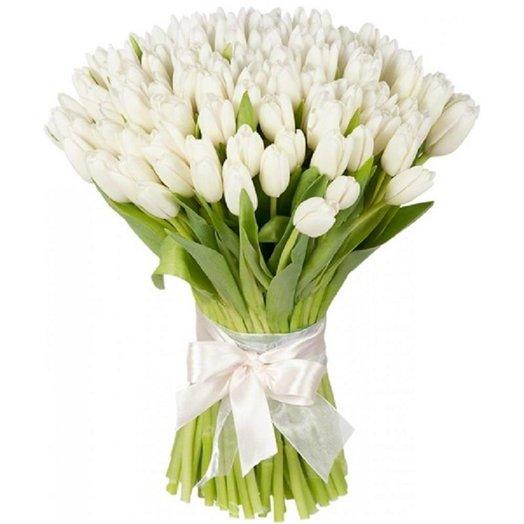 Букет из 67 белого тюльпана: букеты цветов на заказ Flowwow