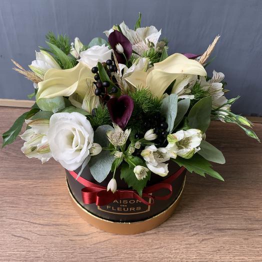 Коробка с Каллами: букеты цветов на заказ Flowwow