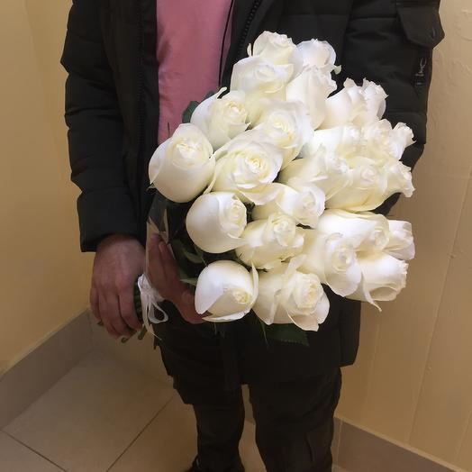 25 белых Эквадорских роз: букеты цветов на заказ Flowwow